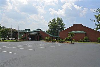 Motel 6 Emporia, VA