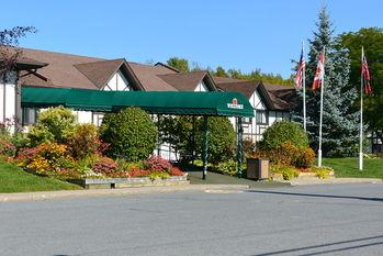 McIntosh Country Inn & Conference Centre in Canada