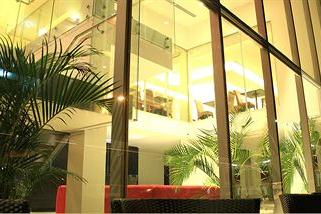 Az-Hotel & Suites